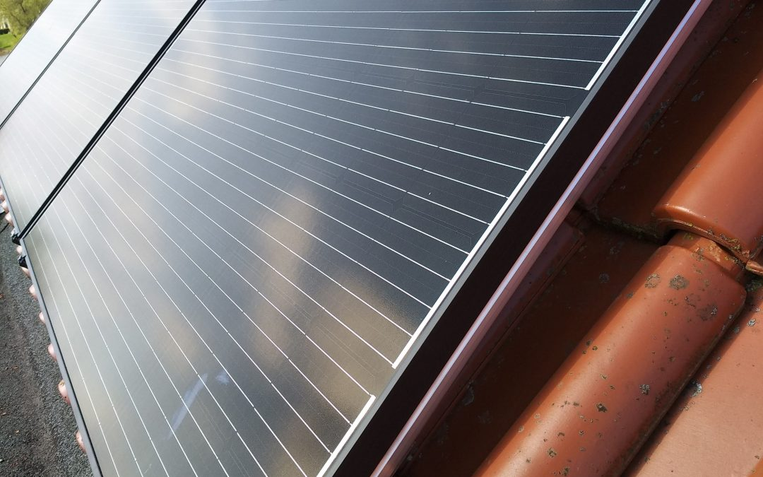 Aanleg zonnepanelen-installatie